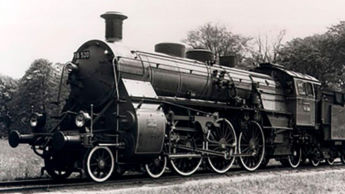 Para muitos especialistas, a Bavarian S3/6 é a mais bela locomotiva a vapor já construída na Alemanha. Originada na fábrica de Maffei, a primeira locomotiva sai do salão de produção em 1908.