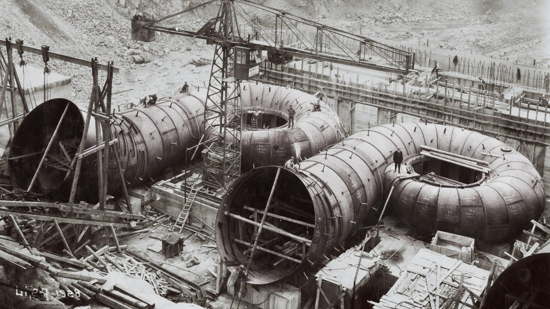 Shannon power plant in Ireland under construction, 1928