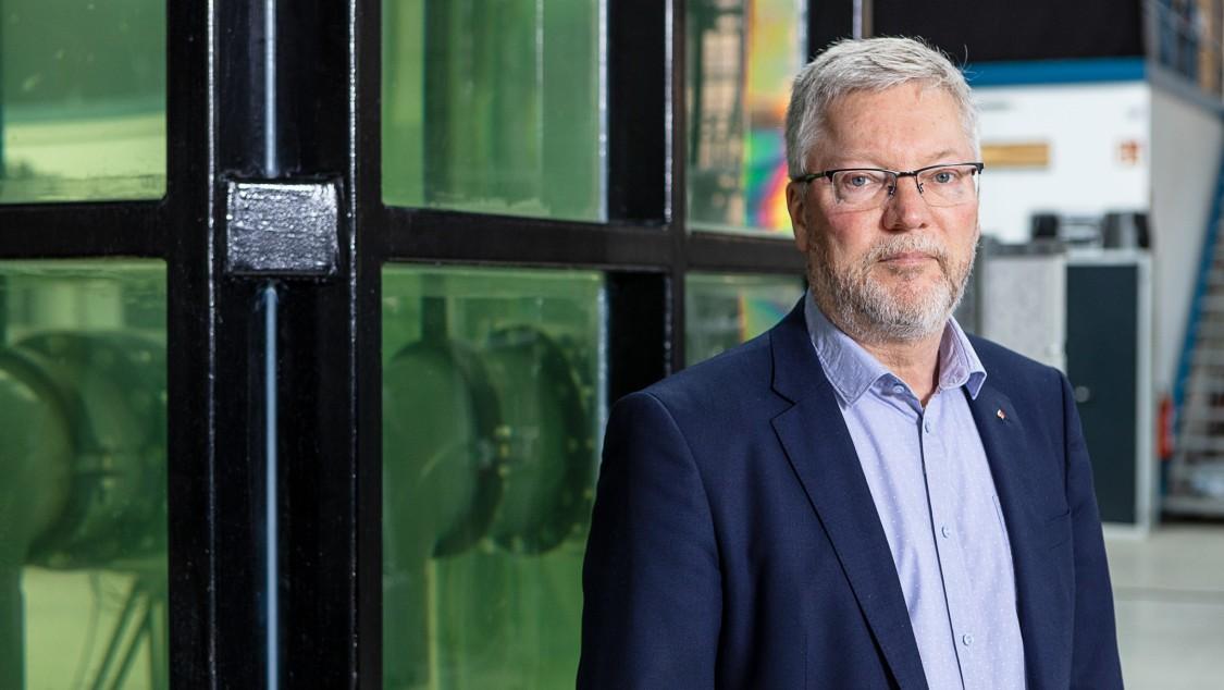 Professor Paul Uwe Thamsen
