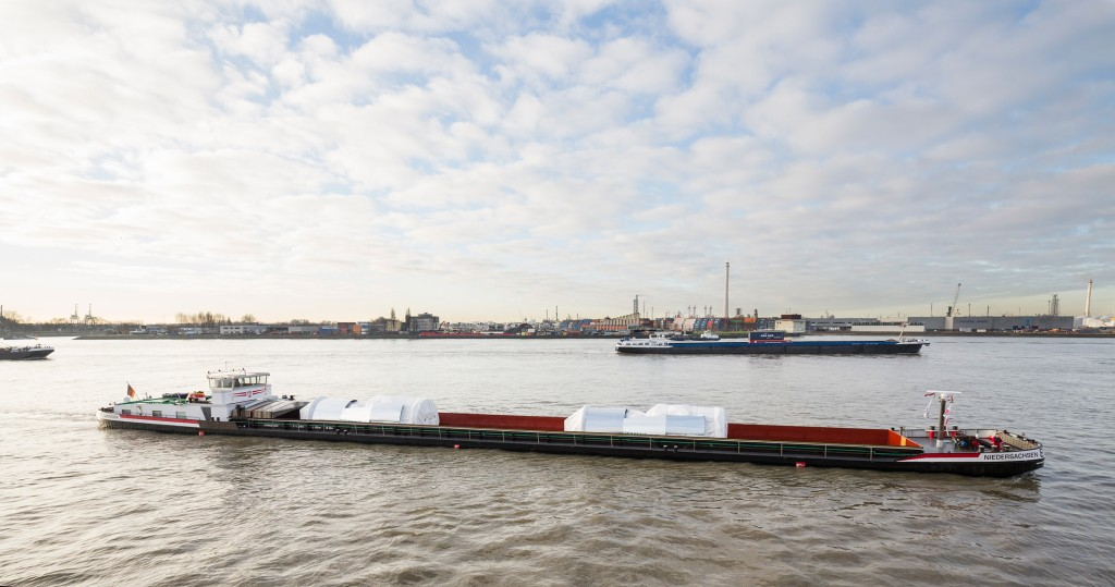 H-class gas turbines are loaded at Rotterdam