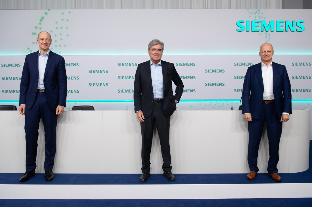 Roland Busch, Deputy CEO of Siemens AG, Joe Kaeser, President and CEO of Siemens AG, and Ralf P. Thomas, Chief Financial Officer of Siemens AG, at the virtual Annual Press Conference on November 12, 2020, at Siemens headquarters in Munich, Germany. (Left to right)