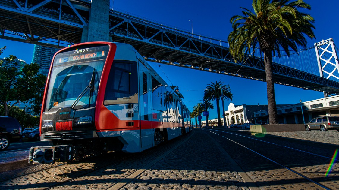 219 Muni LRV4 connect San Francisco