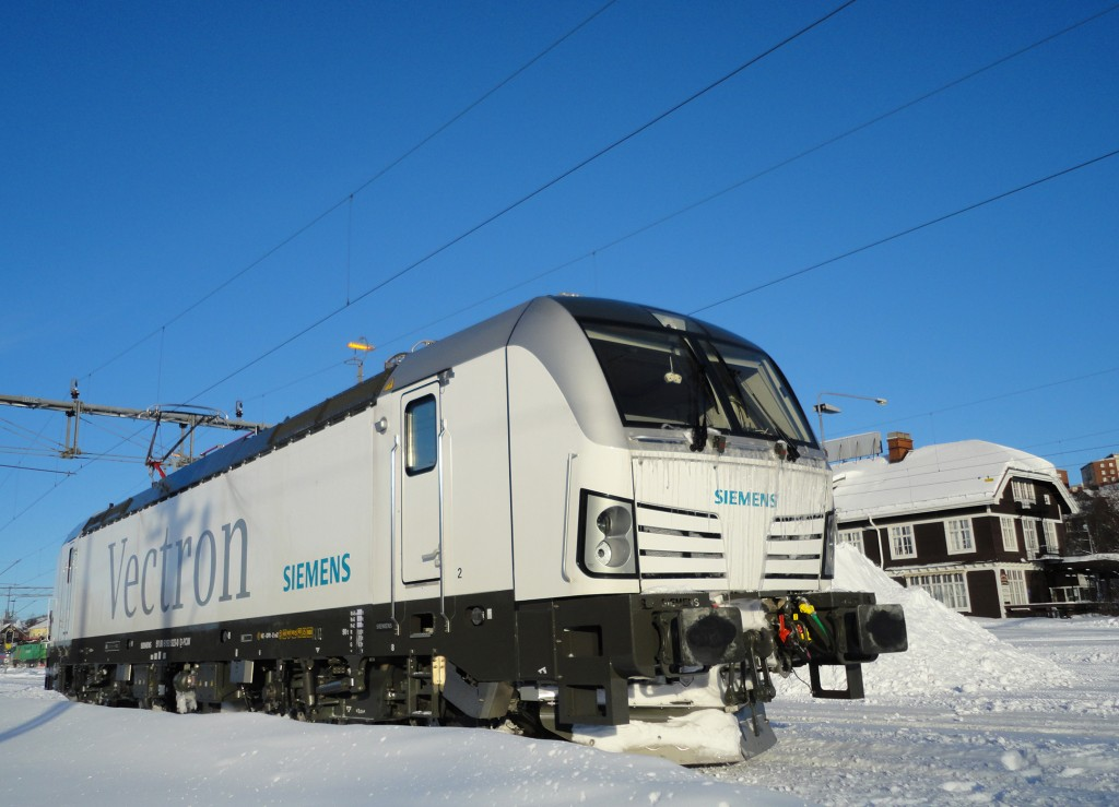 The photo shows the Vectron AC variant during a test trip in Kiruna, Sweden, in February 2012.