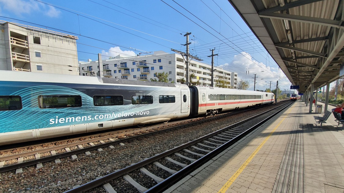 Test car of the Velaro Novo standing at a station track