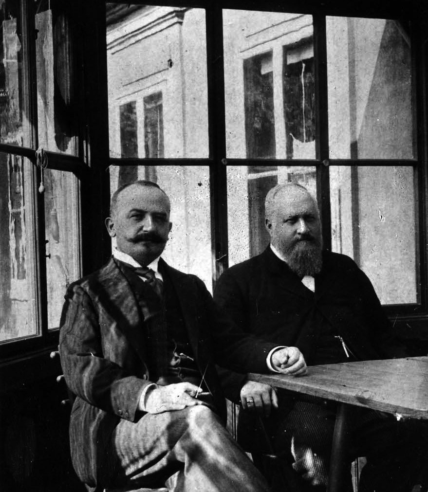 Encounter in Vienna – Wilhelm von Siemens, second-oldest son of the company founder (left), and Richard Fellinger, circa 1903