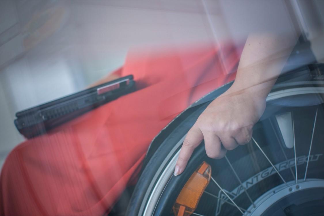 Marina und ihr Rollstuhl
