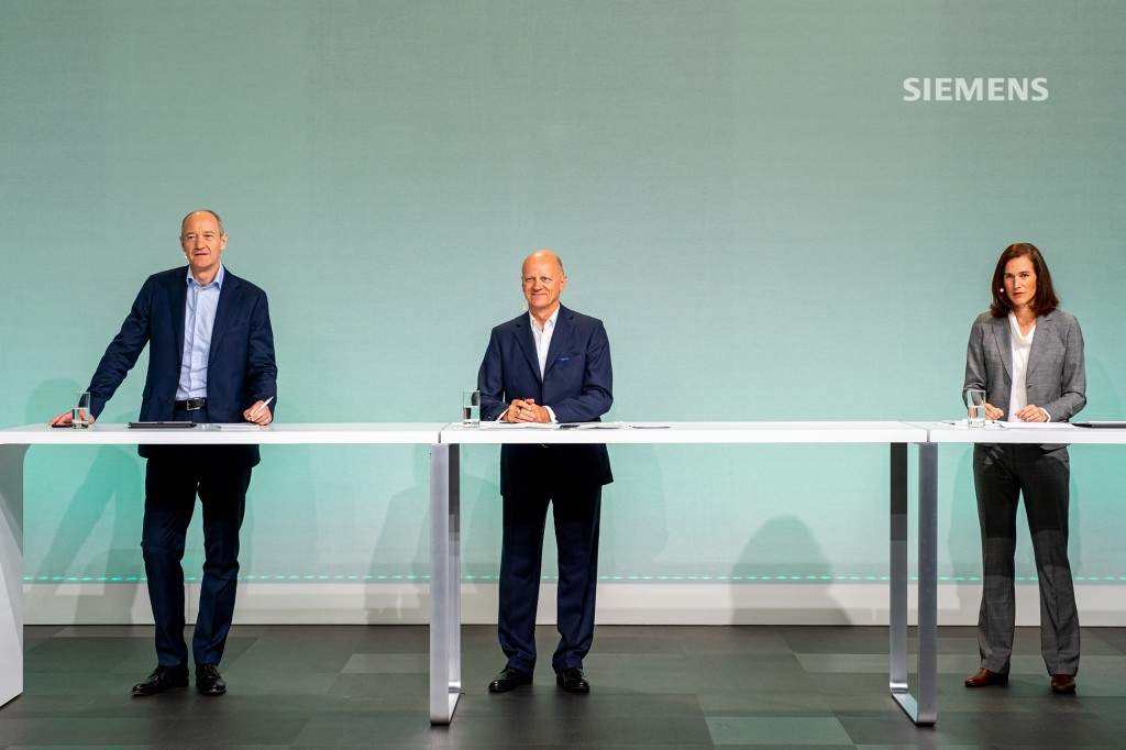 Siemens AG's Capital Market Day on June 24, 2021: Roland Busch (l-r), Siemens President and CEO, answering analysts' questions together with Ralf P. Thomas, Chief Financial Officer, and Judith Wiese, Chief Human Resources Officer and Chief Sustainability Officer, at Siemens headquarters in Munich.