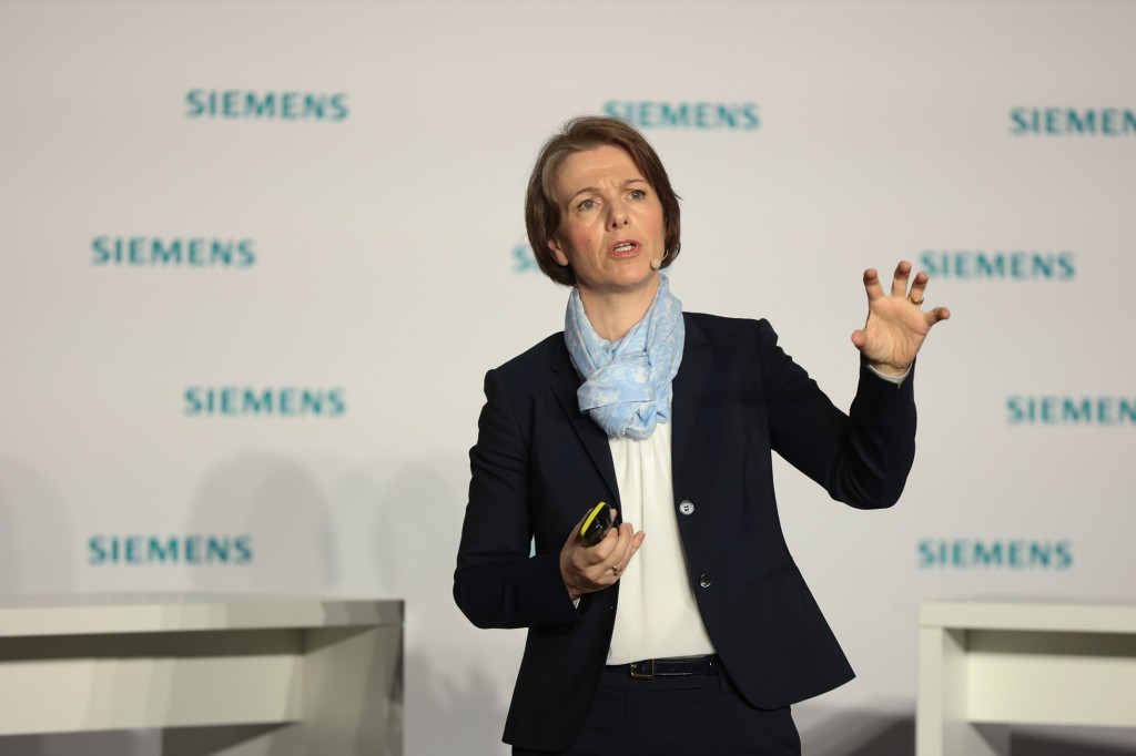 Karen Florschütz, CEO der Business Unit Customer Services, Siemens AG.