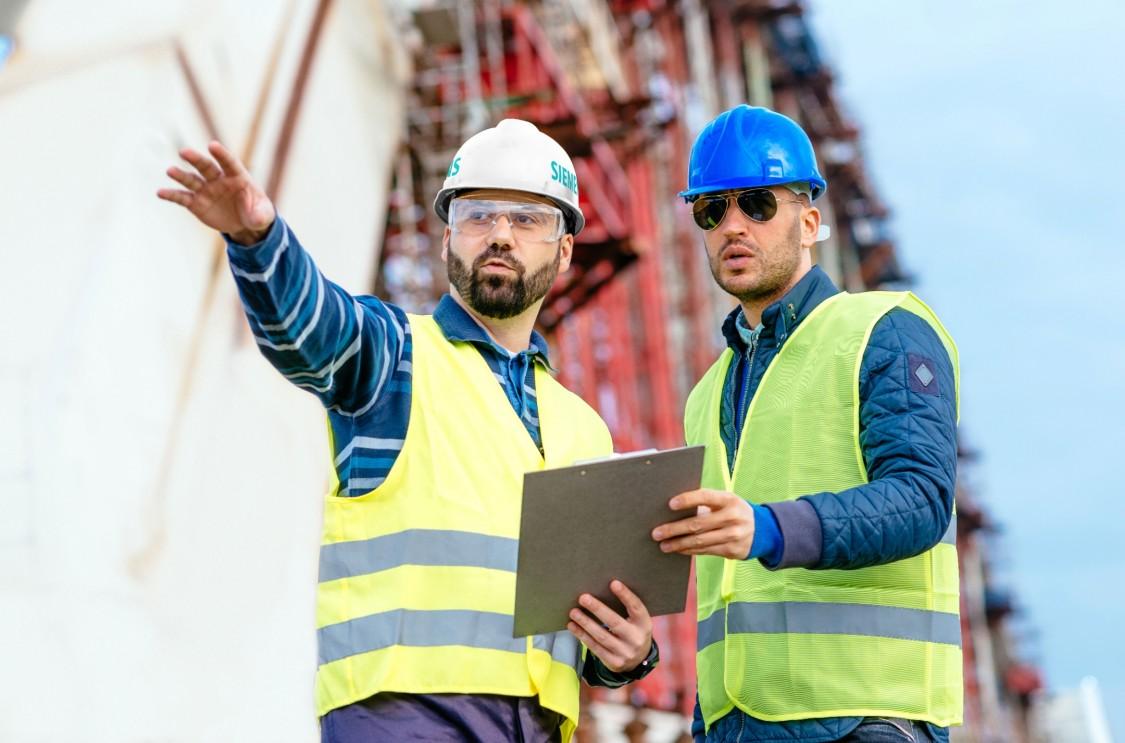 Siemens energy engineers working
