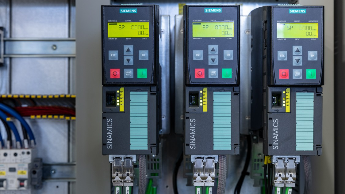 SIMATIC S7-1500F and SINAMICS frequency converters