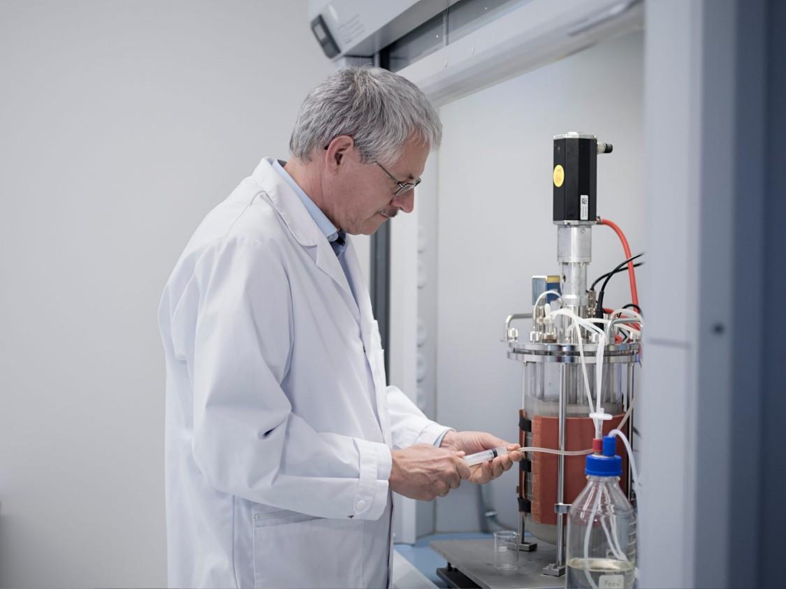Siemens employee Martin Joksch at work at the Siemens bioprocessing laboratory.