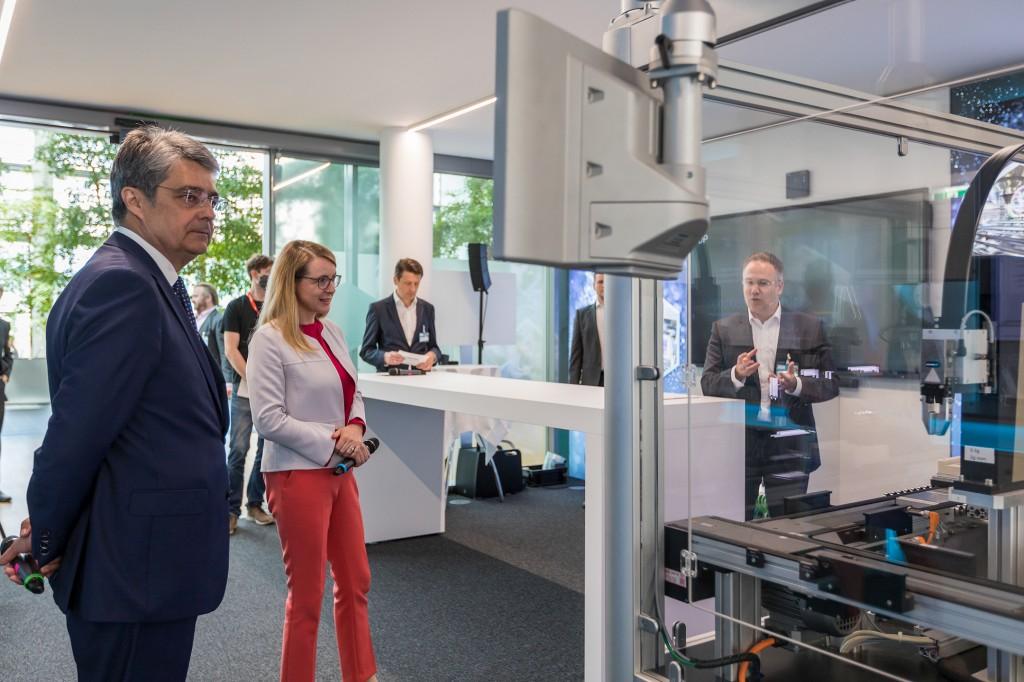 Opening of Digi Lab Wien, Österreich