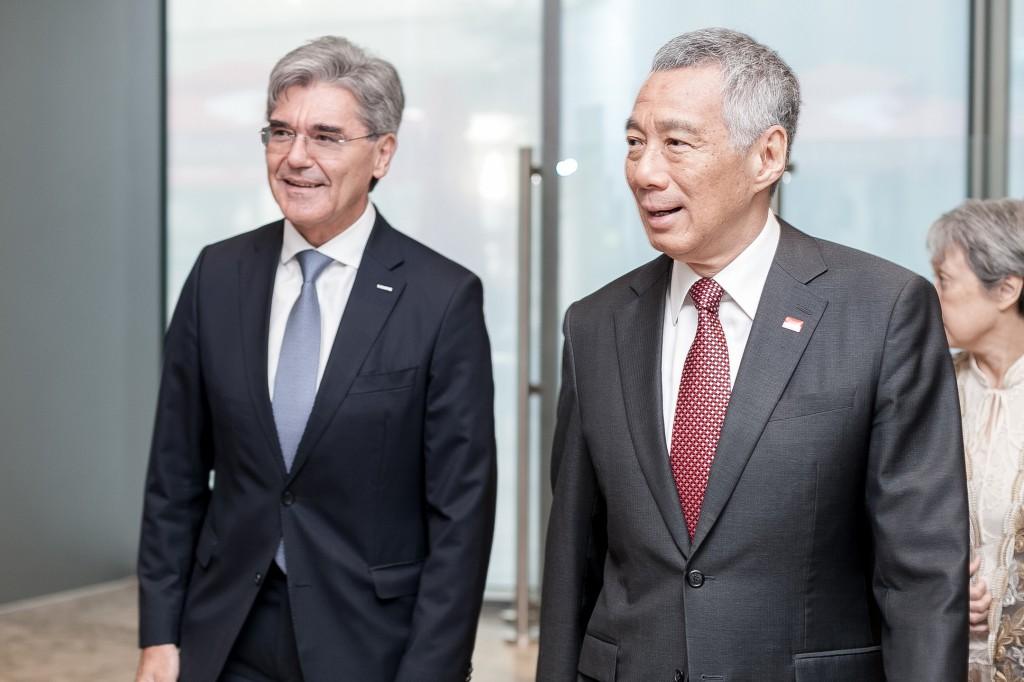 Siemens und Singapur eröffnen ersten voll integrierten Digitalisierungs-Hub