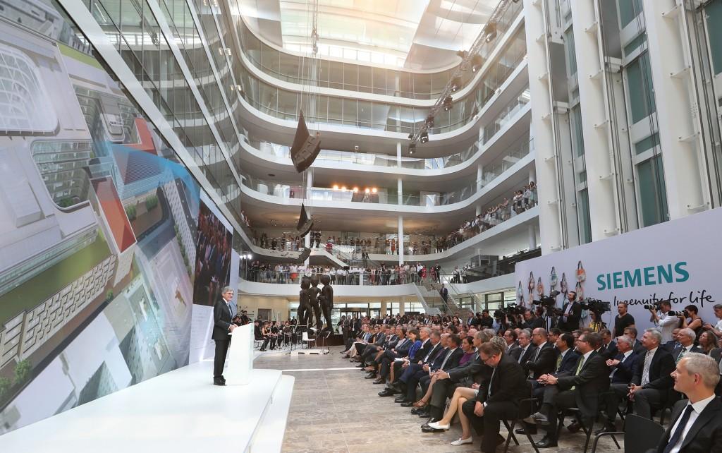 Festakt zur Eröffnung der neuen Siemens-Konzernzentrale