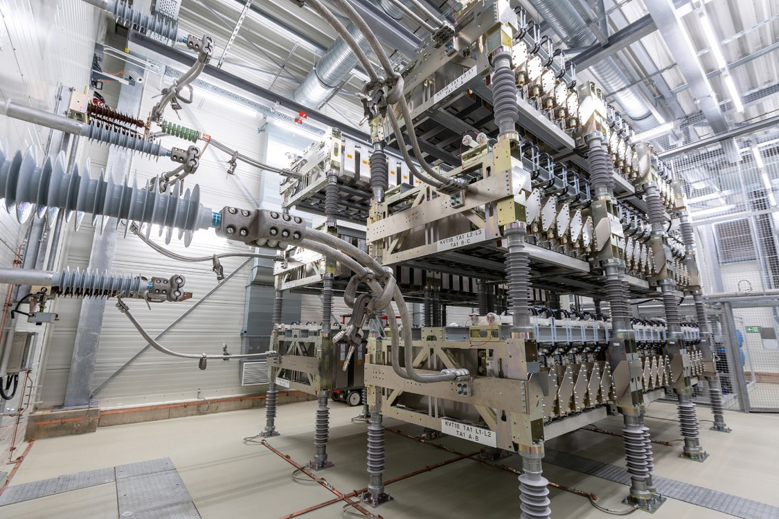 Can Capacitors In Electrical Circuits Provide Largescale Energy