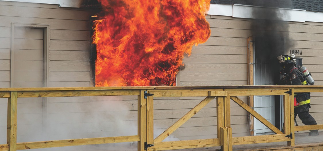 USA | Burning building with fireman for ULTRAMAT 23 case study
