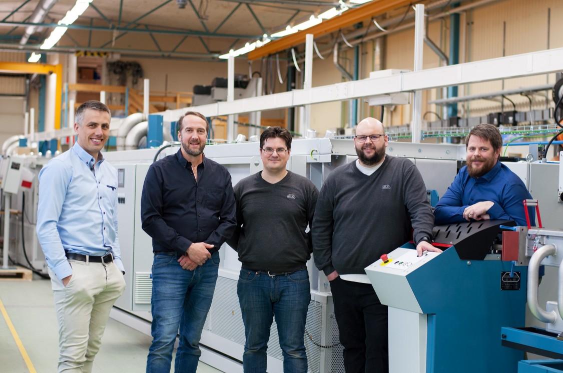 Per Fyhr, elkonstruktör, Mikael Johansson, programmerare, Daniel Forsström, teknisk support after sales, Daniel Finnström, säljchef, och Mattias Snitt, vd.