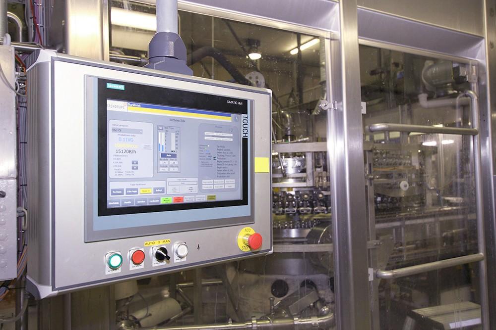 Även i bryggeri och tappning används Siemens automationssystem. I Grängesberg görs upp till 20 bryggningar per dygn där en brygd består av 50 000 liter; per dygn kan alltså en miljon liter bryggas.