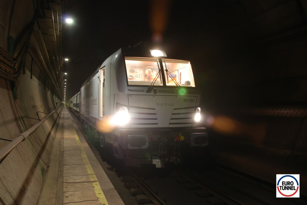 Vectron: Test runs in Channel Tunnel