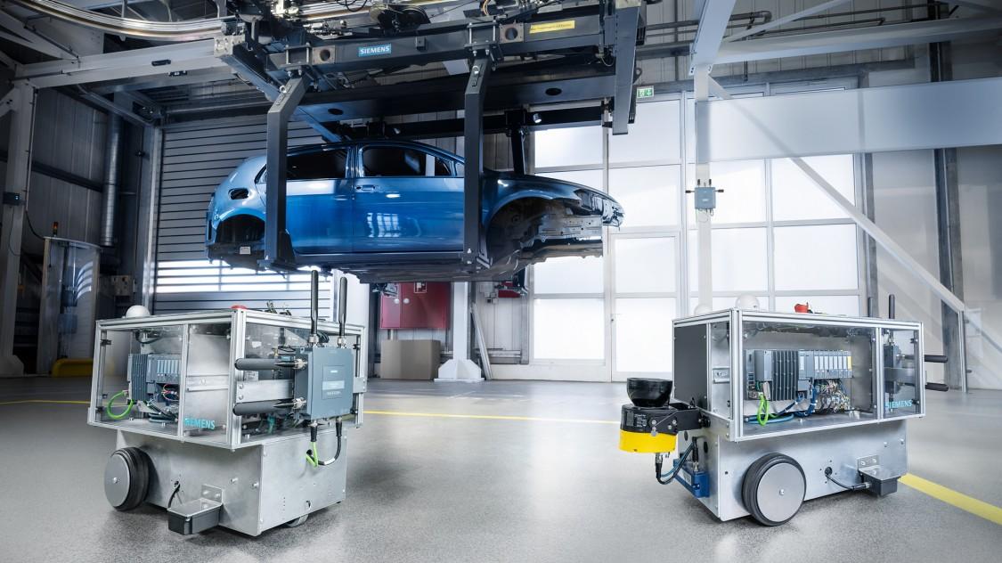 SCALANCE MUM856-1 im Automotive Showroom und Testcenter von Siemens