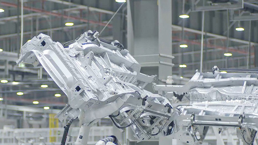 Siemens AG | Fürth | Germany view into production hall