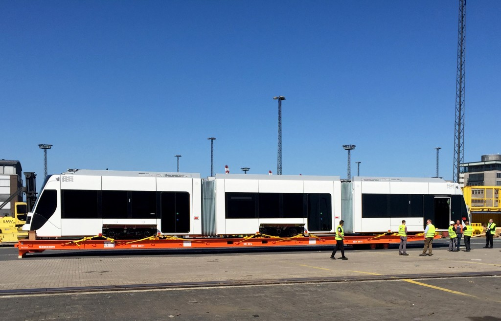"Siemens: The ferry ""Paglia"" will be transporting the first Siemens 3-car tram to Doha"