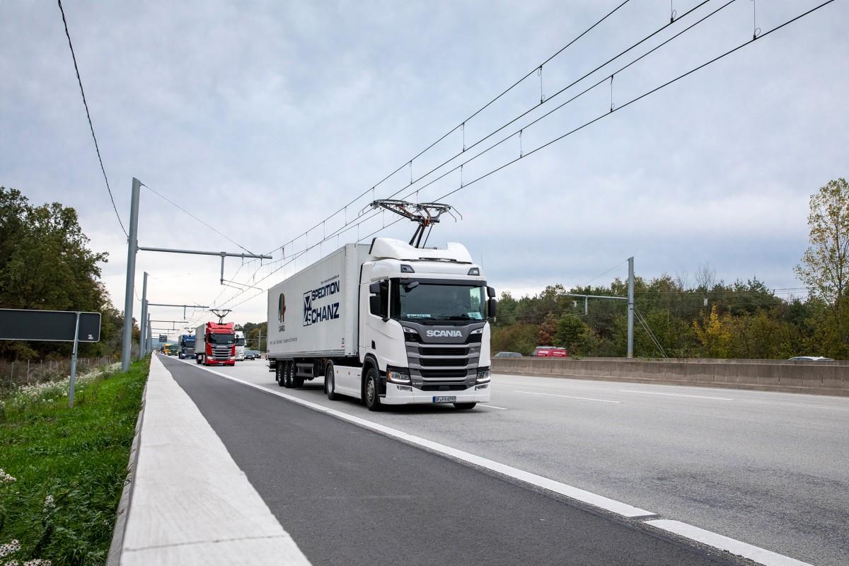 eHighway – Solutions for electrified road freight transport | Press |  Company | Siemens
