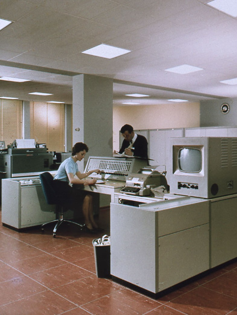 Siemens 2002 data processing unit in the Munich computer center, 1961