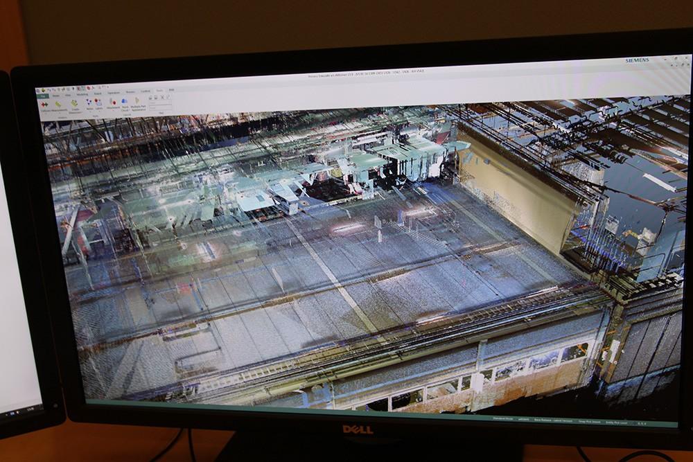 I ett ombyggnadsprojekt åt Volvo i Umeå scannas först anläggningen för att bygga upp en punktmolnsmodell som används som startmodell. Den digitala tvillingen görs så nära projektet som möjligt eftersom det annars är svårt att hålla den uppdaterad och korrekt.