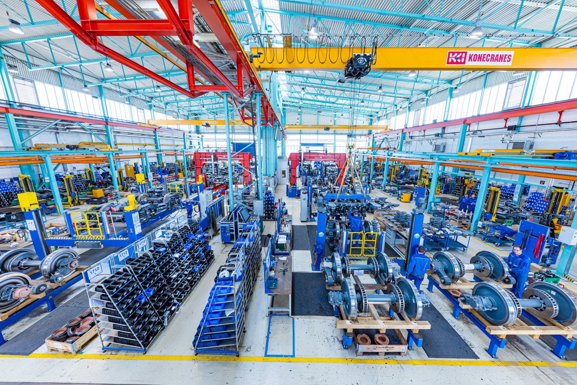 Drehgestellmontage im Kompetenzzentrum Fahrwerke Siemens Mobility Austria GmbH Graz