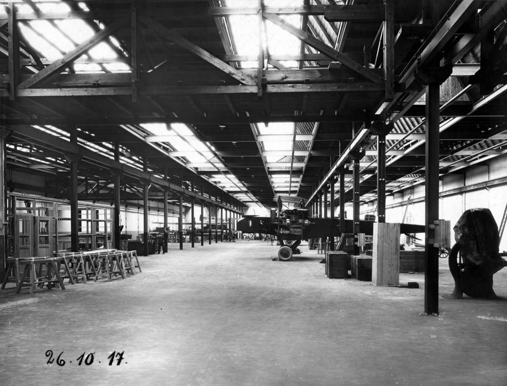 Blick in die Flugzeugproduktion 1917 (SW)