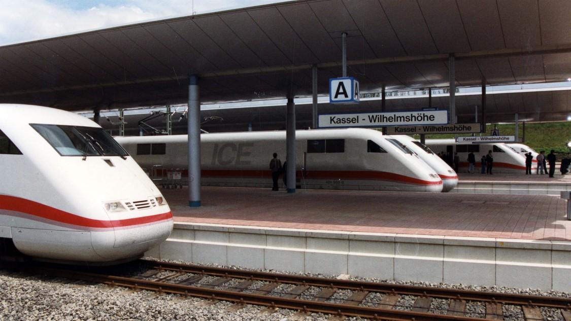 ICE 1 am Bahnhof Kassel-Wilhelmshöhe, 29. Mai 1991