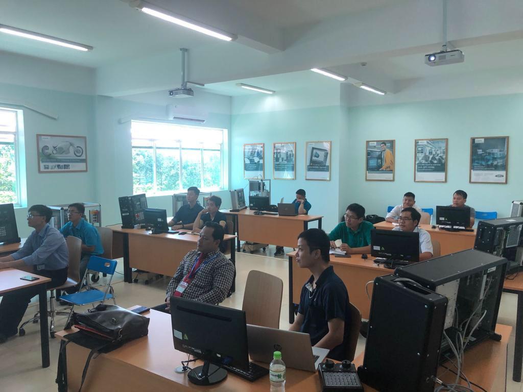 Trung tâm đào tạo Công nghiệp Số D-TEC