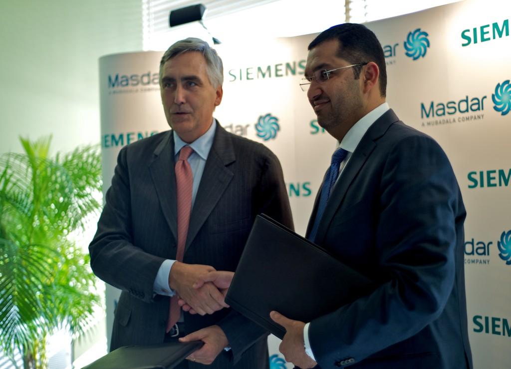 Masdar-CEO Dr. Sultan Ahmed Al Jaber und Siemens CEO Peter Löscher