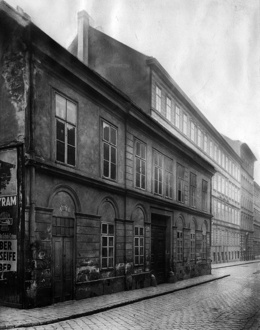 First location in Vienna – Apostelgasse 12 and 14, 1914