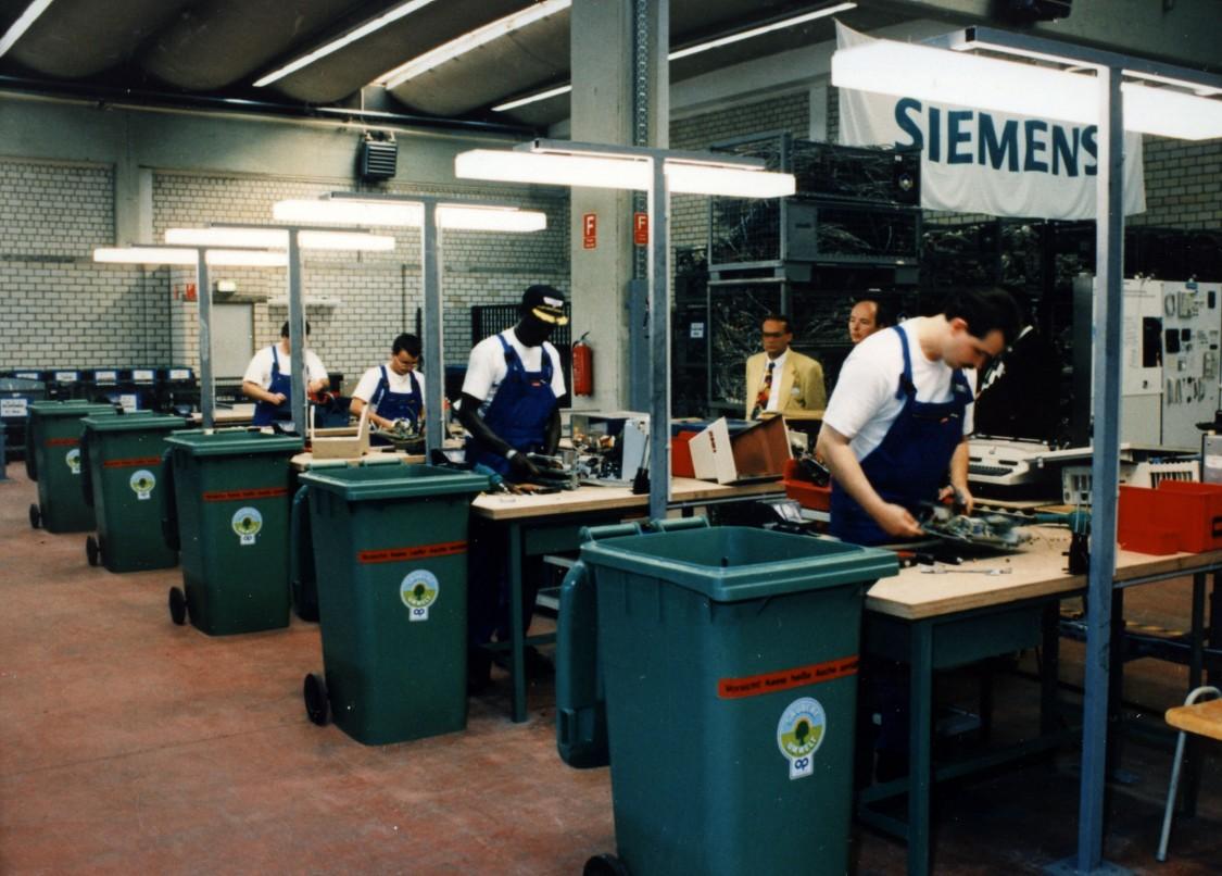 Recycling-Werkstatt des Siemens-Bereichs Anlagentechnik in Essen, 1996