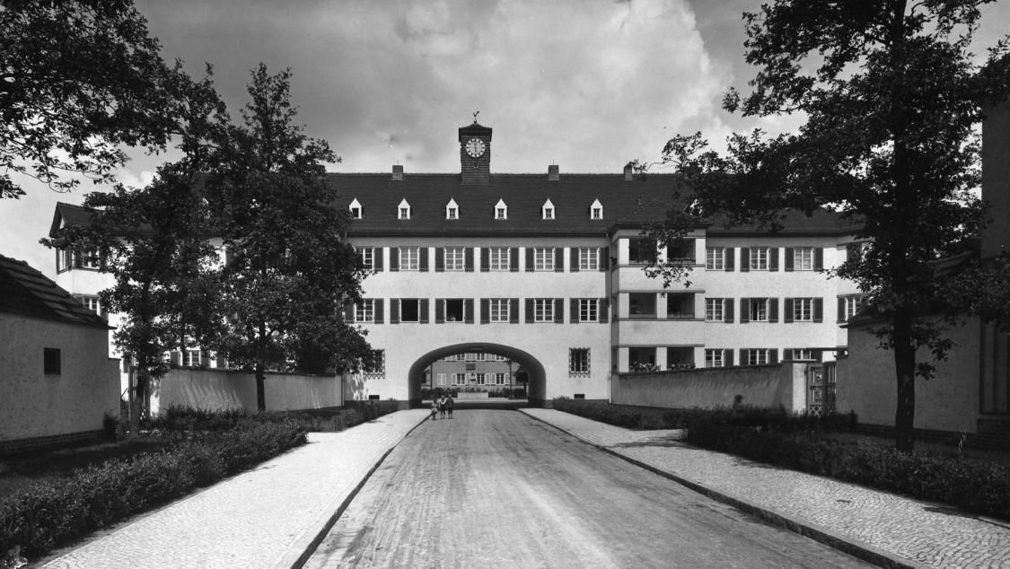 Torhaus in der Siedlung Siemensstadt, 1929