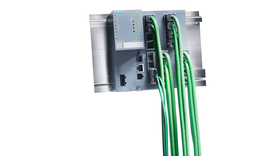 Bild eines SCALANCE XM416-4C Switch mit Verkabelung