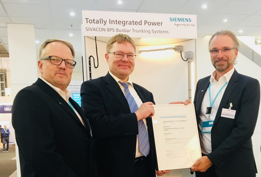 Von links nach rechts Niels Nilsen (Sales Engineer, Siemens), Dr. Matthias-Klaus Schwarz (Head of Section Electrical Systems, DNV GL), Carsten Schwarz (Produktmanager Stromschienen, Siemens).
