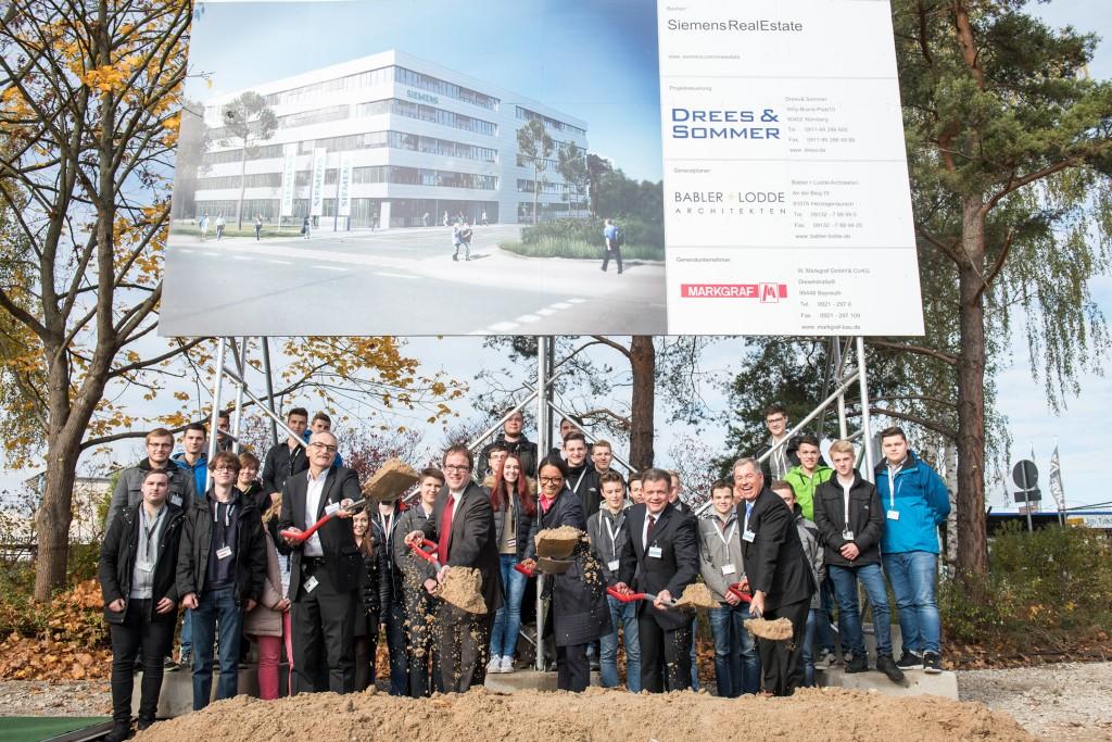 Spatenstich zum neuen Siemens Ausbildungszentrum in Erlangen