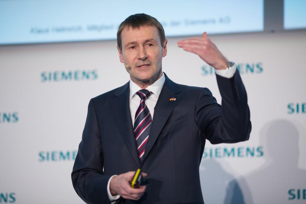 Klaus Helmrich eröffnet die Siemens Pressekonferenz auf der Hannover Messe 2016