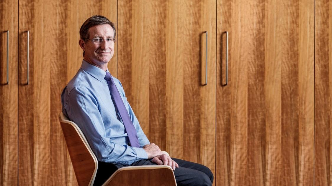 Arbeiten bei Siemens - Treffen Sie den abenteurlichen Chef mit einem ungewöhnlichen Werdegang.