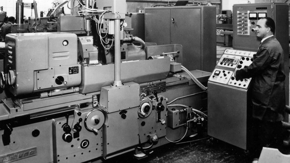 SINUMERIK S an einer Zylinderschleifmaschine