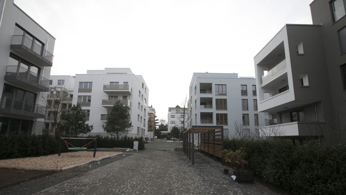 "Outside the residential complex ""Henninger Stadtgärten"" in Frankfurt"