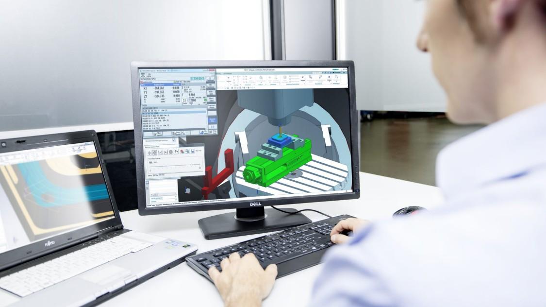 Software für die Werkzeugmaschinen ermöglichen eine Optimierung der Auftragsvorbereitung und -ausführung