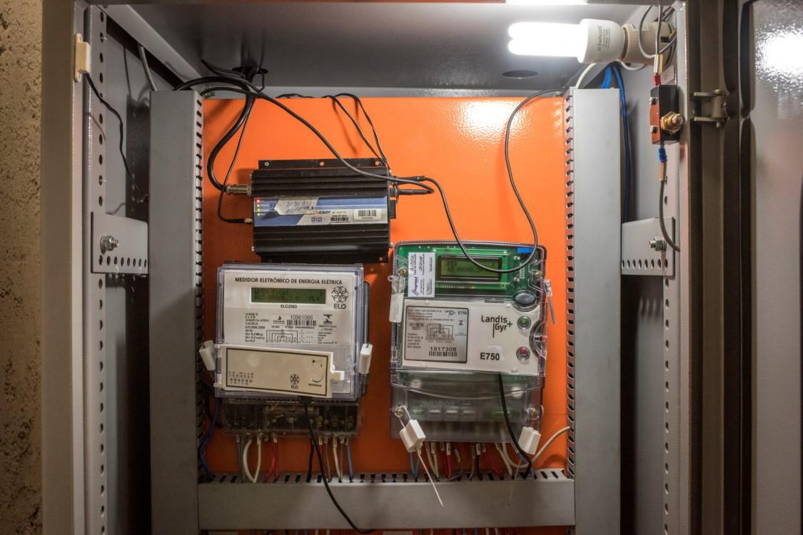 Smart meters installed at energy station at Manauara Shopping Mall