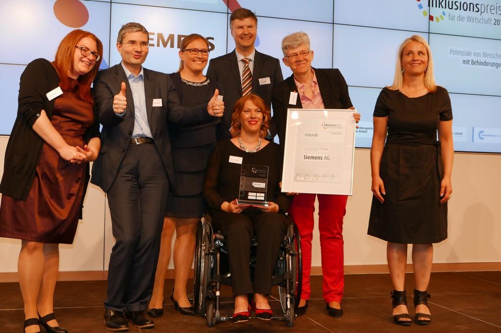 Siemens gewinnt Preis für herausragende Inklusion behinderter Mitarbeiter/innen