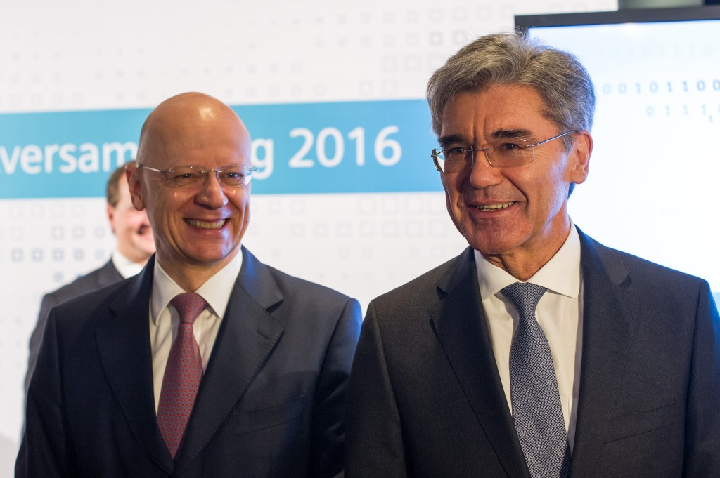 From left to right: Dr. Ralf P. Thomas, Member of the Managing Board and Head of Finance and Controlling and Joe Kaeser, President and Chief Executive Officer of Siemens AG