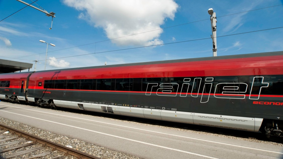 Viaggio Comfort – as single coaches or complete trainsets