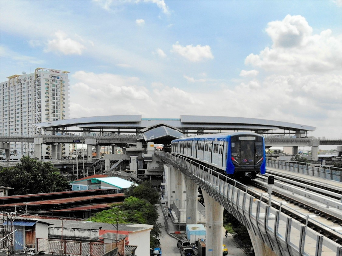 Picture of a Siemens Mobility metro train in Bangkok.
